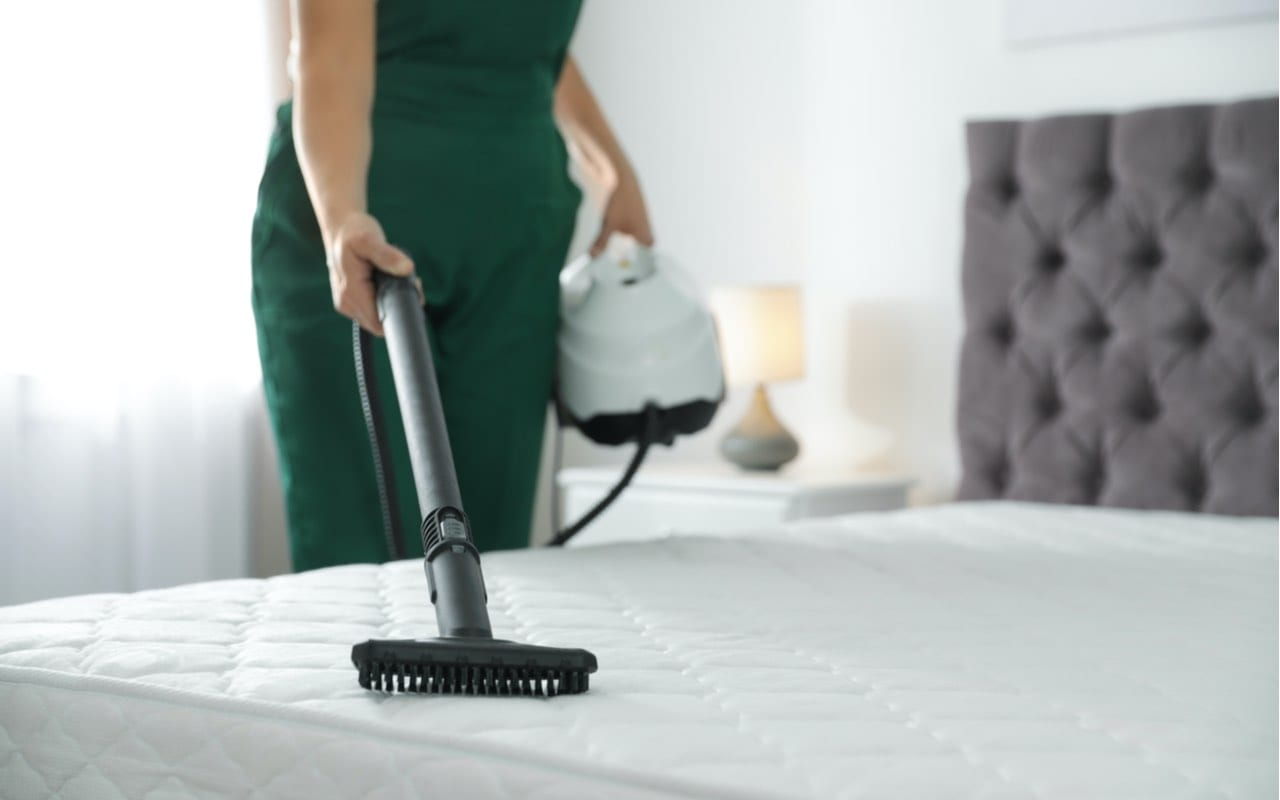 how to clean a mattress featured
